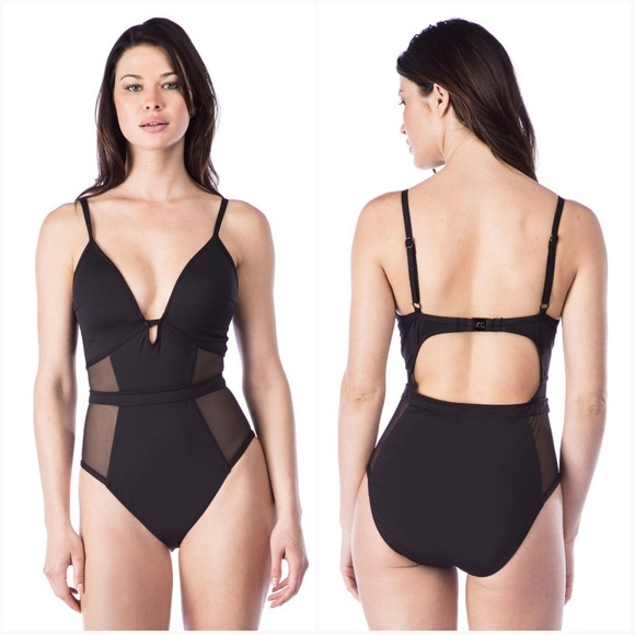 Kenneth Cole New York Womens Front Keyhole Cross Back One Piece Swimsuit